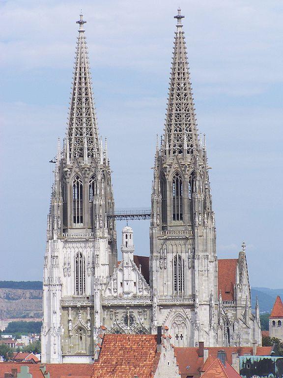 576px-StPeter_Regensburg